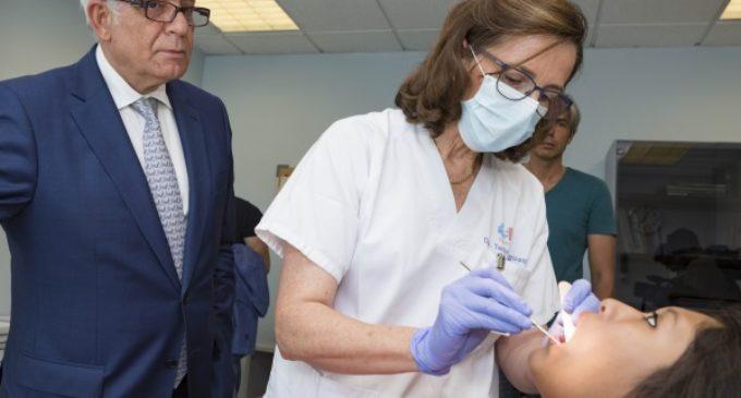 La Comunidad de Madrid financia tratamientos dentales de complejidad para menores y los amplía hasta los 16 años