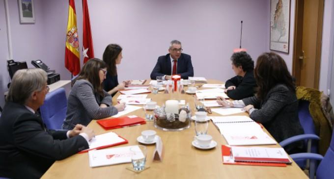 El Gobierno regional pondrá en marcha un servicio de atención a las familias de las personas tuteladas
