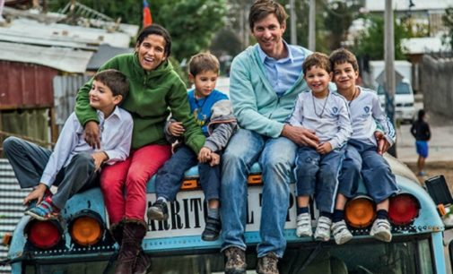Un matrimonio, cinco hijos, 16 países y tres años evangelizando América Latina en un autobús escolar