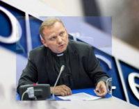 Urbańczyk: incluir a las comunidades religiosas y confesionales en el debate público