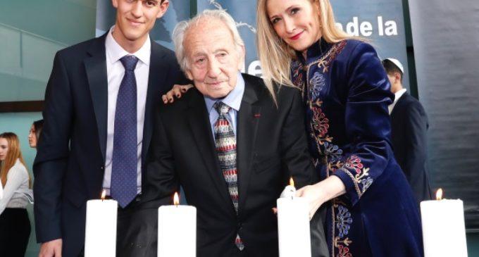 Cifuentes reafirma el compromiso de la Comunidad con la dignidad y la memoria de las víctimas del Holocausto