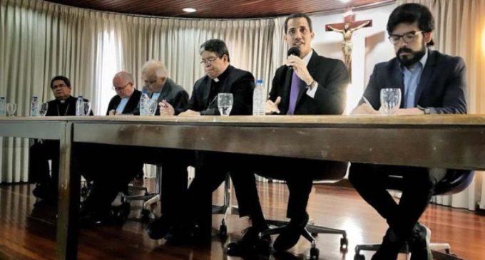 El Vaticano recibe a una delegación enviada por Guaidó y vuelve a pedir una solución justa y pacífica