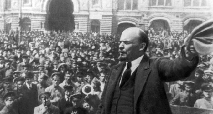 Revolución de Octubre de 1917: Violencia, muerte y propaganda