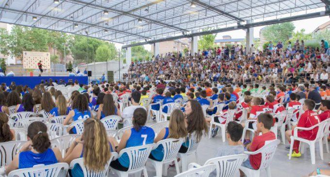 Más de 700 pequeños y jóvenes deportistas reciben los premios de los Campeonatos Municipales