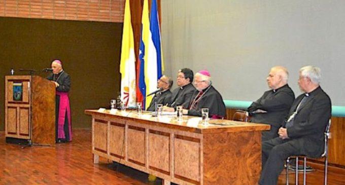 Venezuela: los obispos reunidos en plenaria, en un país sumergido en el caos