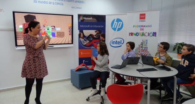 La Comunidad de Madrid pone en marcha un aula pionera en nuevas tecnologías en un colegio público