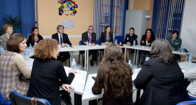 La Comunidad fomenta la inserción sociolaboral de mujeres víctimas de violencia de género