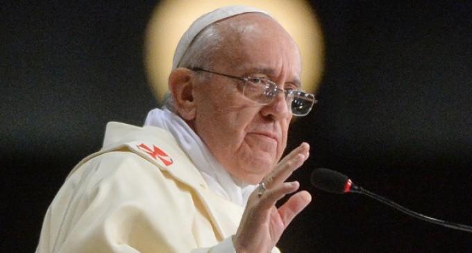 El Papa a los juristas penales: La corrupción es un mal más grande que el pecado