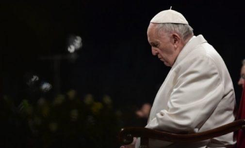 """Vía Crucis: """"Señor, danos siempre la gracia de la santa vergüenza"""" (Meditación del Papa)"""