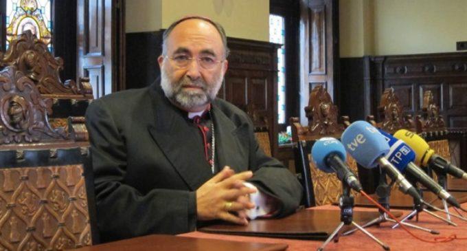 El arzobispo de Oviedo acusa al nacionalismo catalán de mentir y adoctrinar a la población