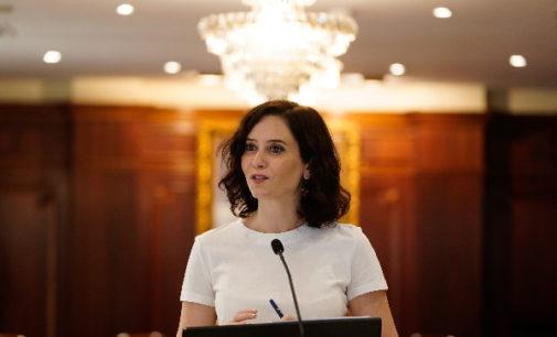 Díaz Ayuso acusa a la ministra de Sanidad de faltar a la verdad cuando dice que sólo Madrid es la única que reclama vacunas